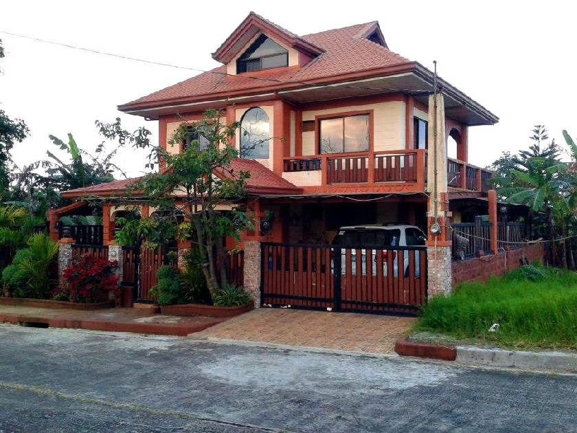 House & Lot for Sale in Royale Tagaytay Estates Alfonso, Cavite - 0 Sqm