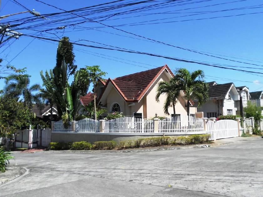 House & Lot for Sale in La Marea Subdv. San Pedro, Laguna - 0 Sqm