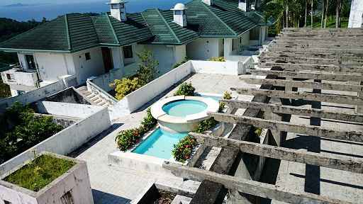 Condo in Vista De Loro, Puerto Azul, Ternate, Cavite For Sale - 107 Sqm
