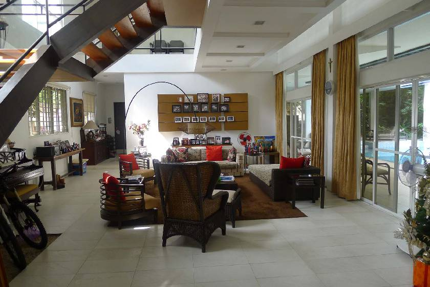 House & Lot for Sale in Loyola Grand Villas Quezon City - 800 Sqm