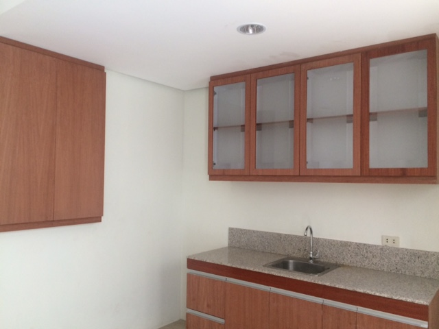 Condo in Legrand Tower 1, Quezon City For Lease - 37 Sqm