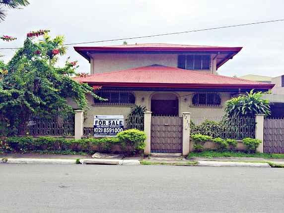 2-Storey House in Marcelo Green Village