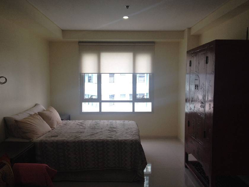 Condo Unit in Senta Condominium, Legazpi Village, Makati City for Lease