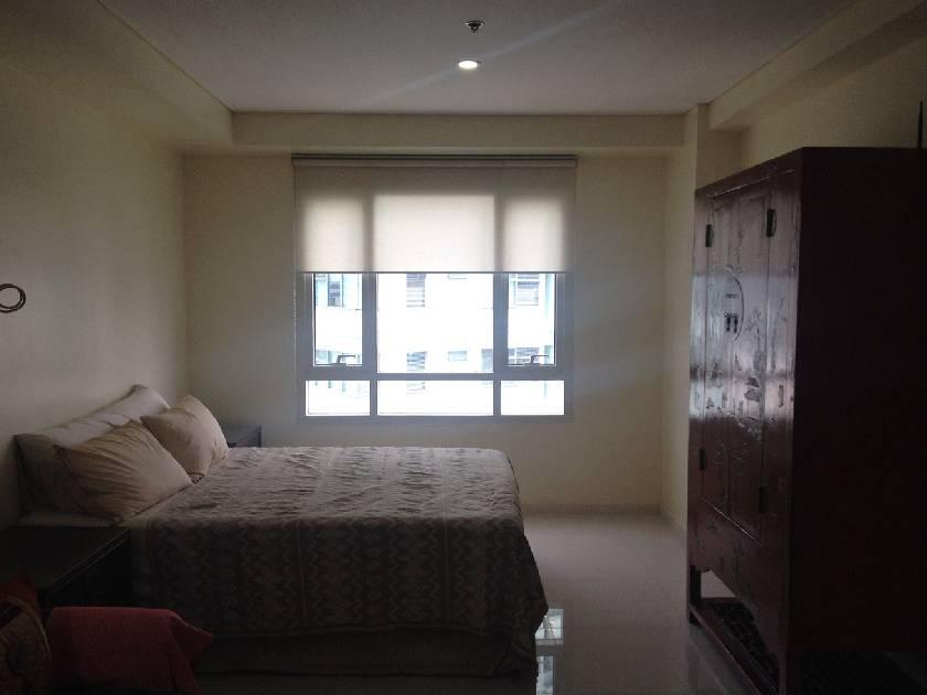 Condo Unit in Senta Condominium, Legazpi Village, Makati City for Lease