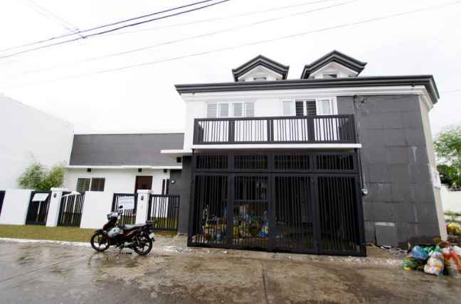 House and Lot in BF Homes , Paranaque City for Sale