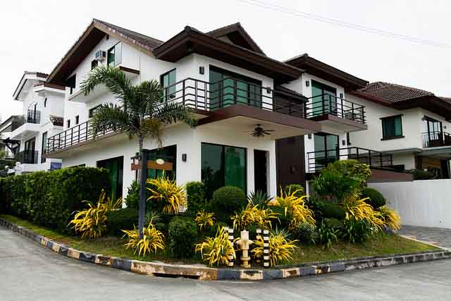 House & Lot for Sale in Palms Pointe, Laguna Heights Dr. Muntinlupa City - 500 Sqm
