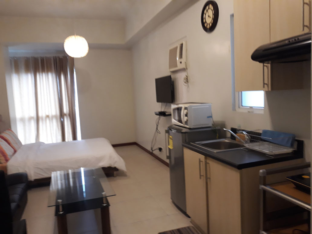 Condo in The Columns, Makati City For Lease - Unit 30 C