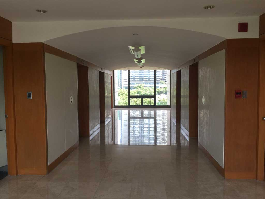 Condo in Cameron Tower Essensa East Forbes, Taguig For Sale - Unit 6d