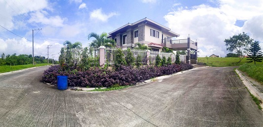 House  in Altamonte Subd., Tagaytay City Cavite