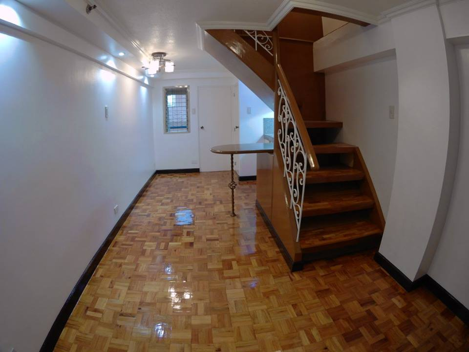 2BR Bi Level Condo Unit in Manhattan Building, Las Pinas City